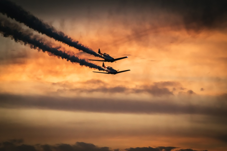 planes crashing